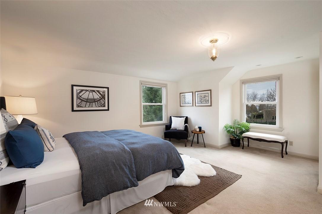 Sold Property | 2820 39th Ave W Seattle, WA 98199 17