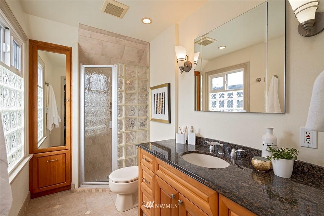 Sold Property | 2820 39th Ave W Seattle, WA 98199 18