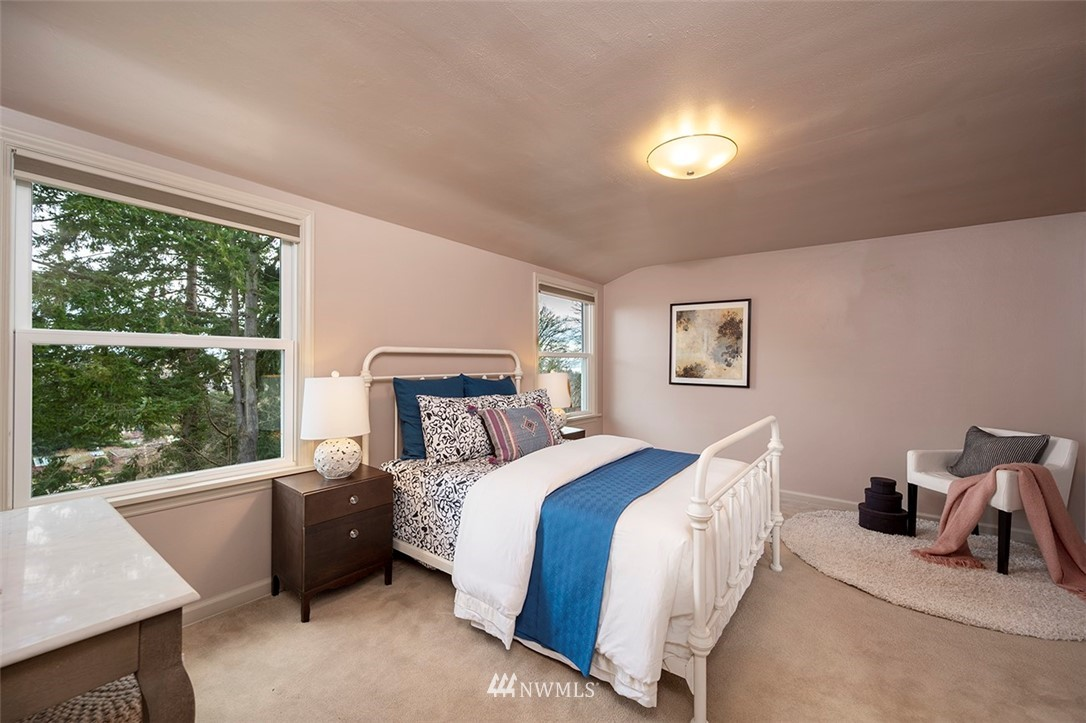 Sold Property | 2820 39th Ave W Seattle, WA 98199 19