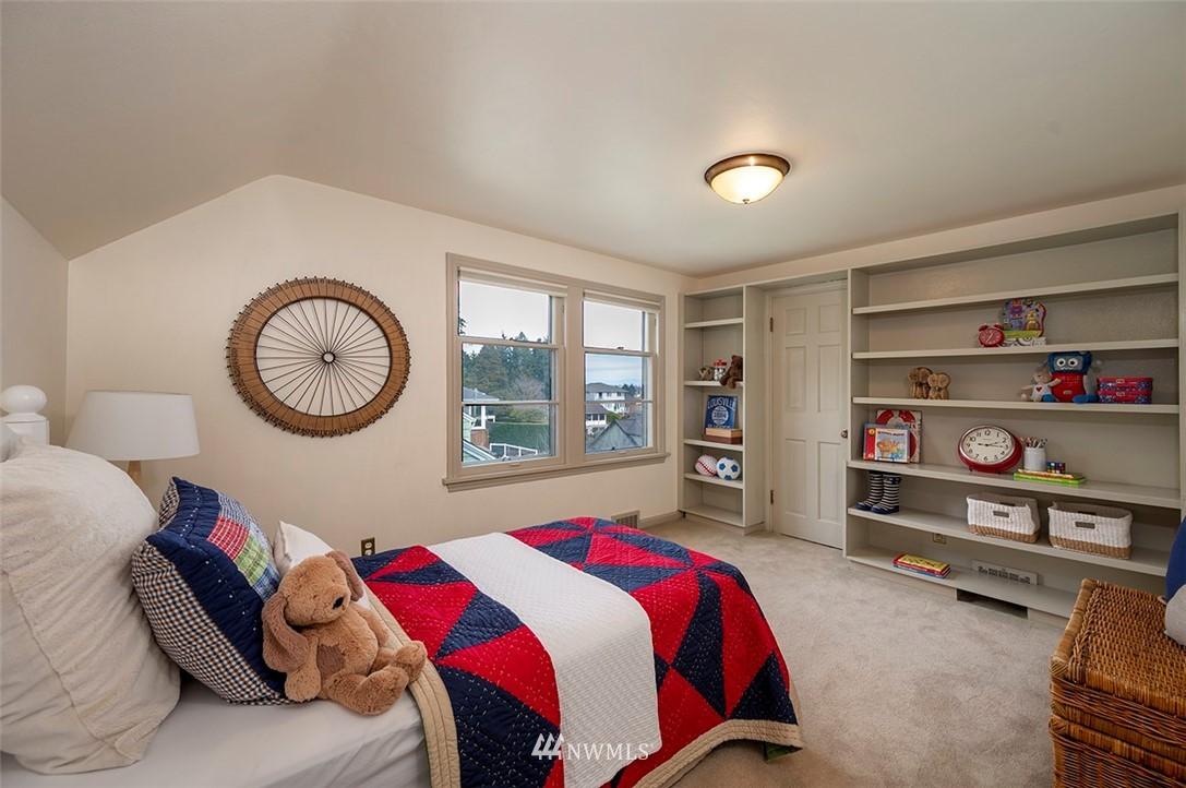 Sold Property | 2820 39th Ave W Seattle, WA 98199 20