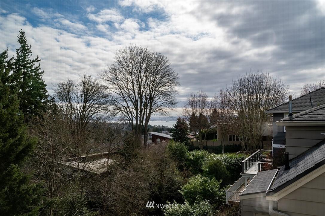 Sold Property | 2820 39th Ave W Seattle, WA 98199 23
