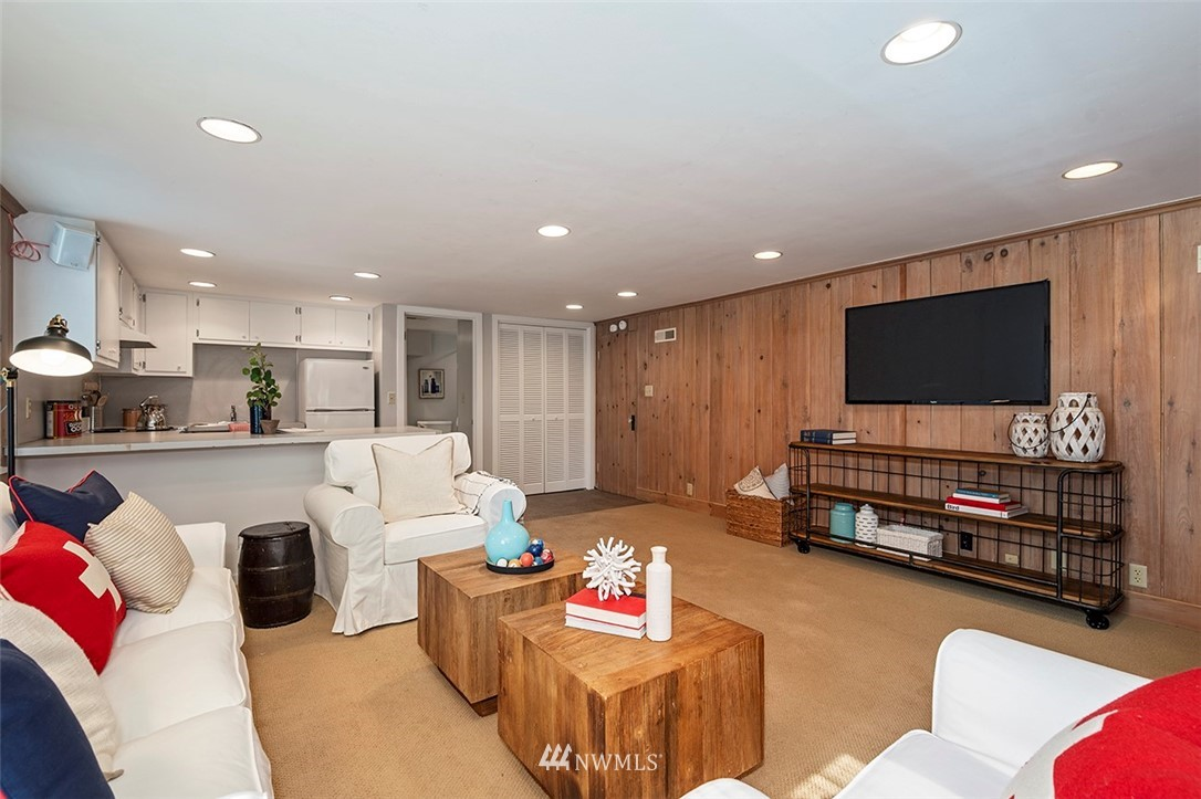 Sold Property | 2820 39th Ave W Seattle, WA 98199 24