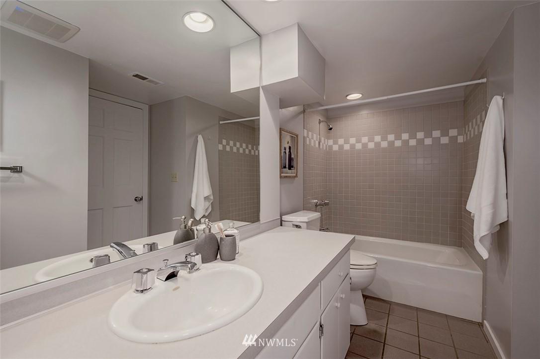 Sold Property | 2820 39th Ave W Seattle, WA 98199 27