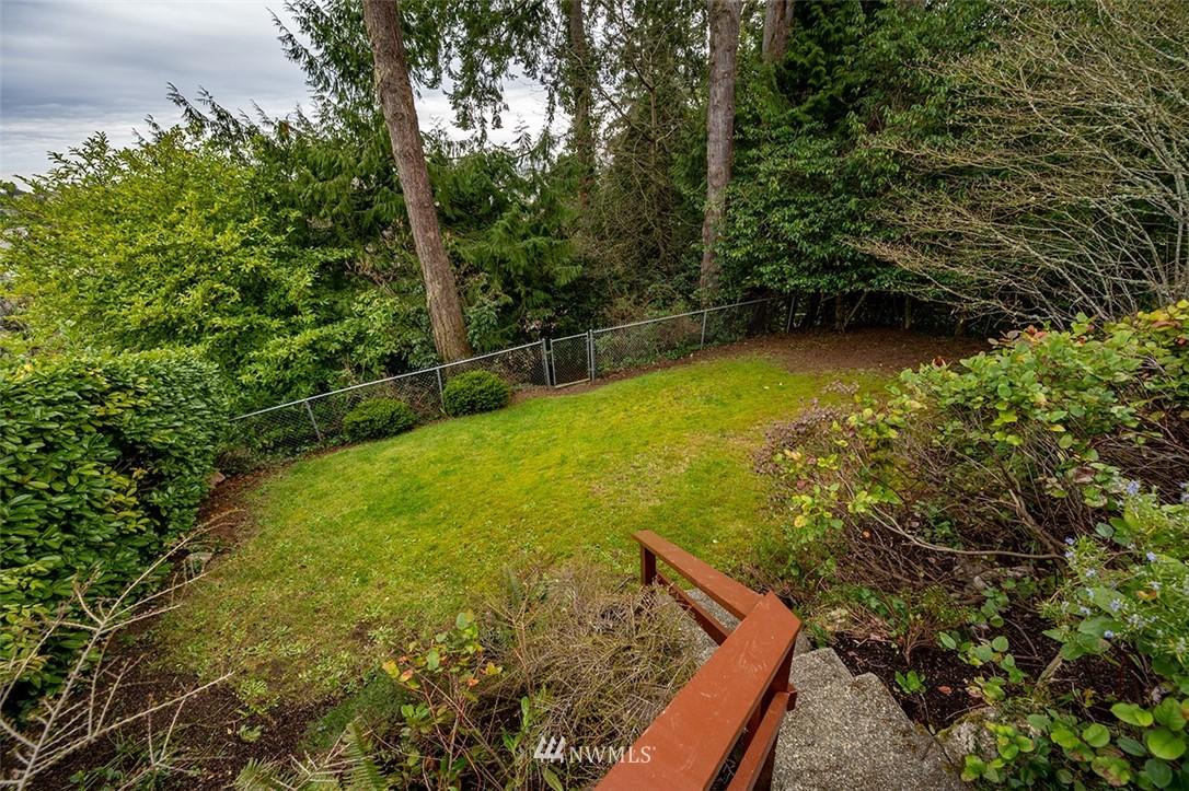Sold Property | 2820 39th Ave W Seattle, WA 98199 29
