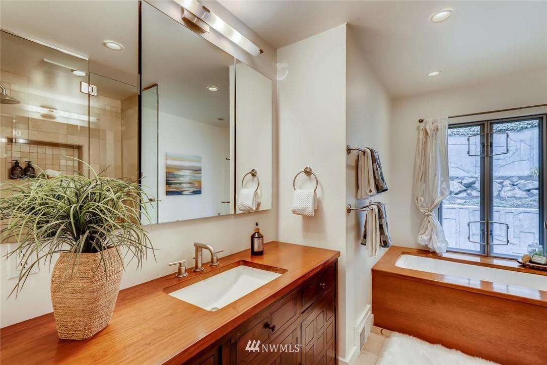 Sold Property   3601 Perkins Lane W Seattle, WA 98199 23