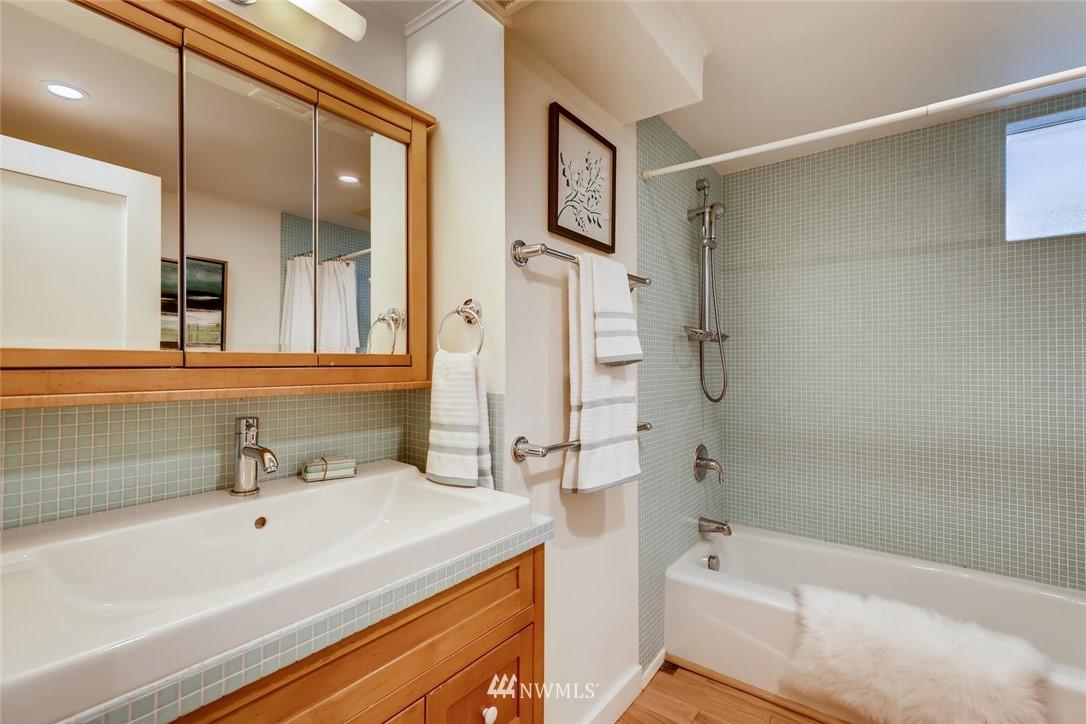 Sold Property   3601 Perkins Lane W Seattle, WA 98199 28