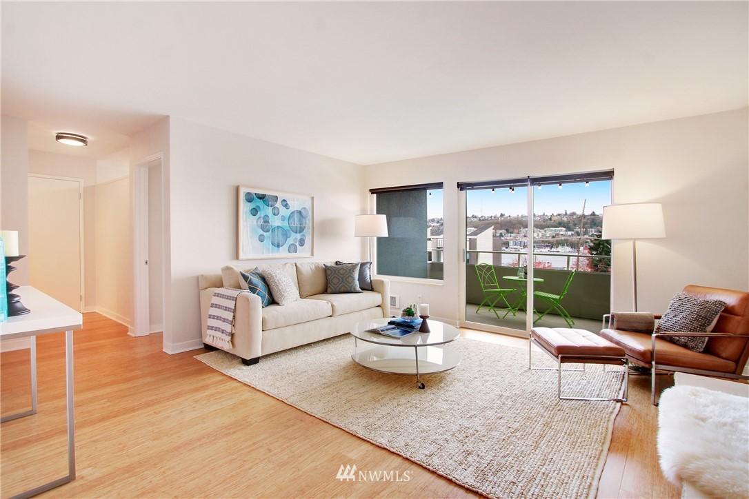Sold Property | 75 E Lynn Street #303 Seattle, WA 98102 2