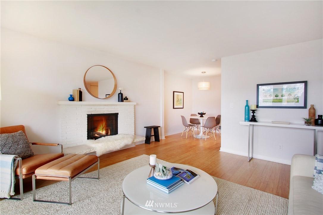 Sold Property | 75 E Lynn Street #303 Seattle, WA 98102 3