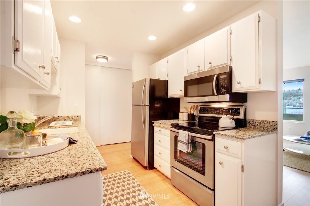 Sold Property | 75 E Lynn Street #303 Seattle, WA 98102 5