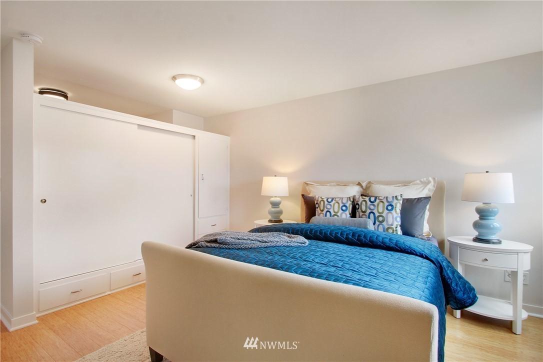 Sold Property | 75 E Lynn Street #303 Seattle, WA 98102 9