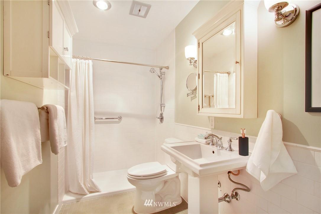 Sold Property | 75 E Lynn Street #303 Seattle, WA 98102 10