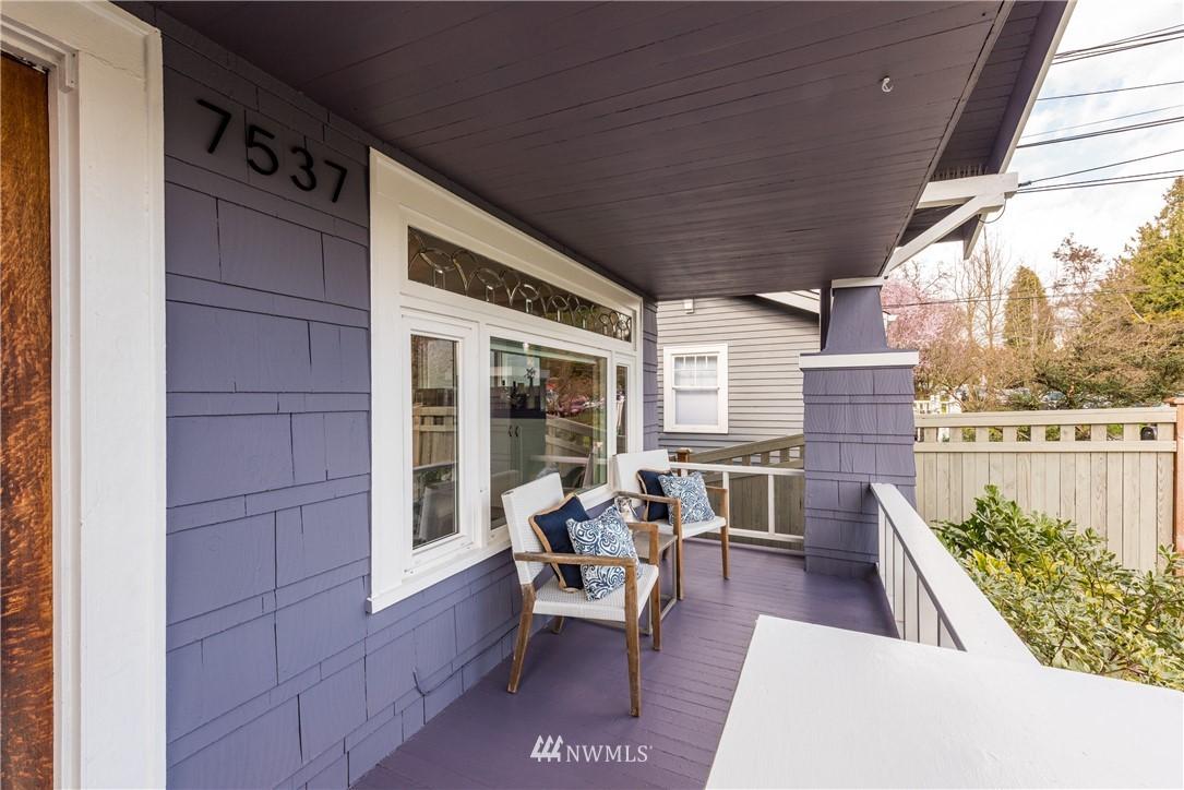 Sold Property | 7537 11th Avenue NE Seattle, WA 98115 1