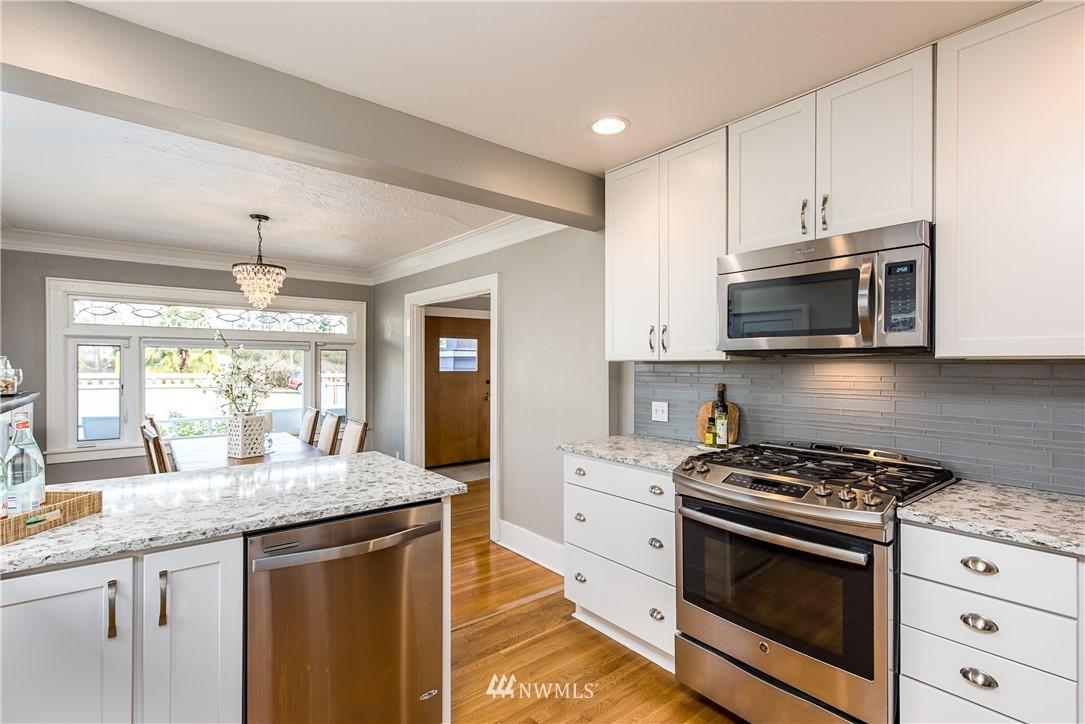 Sold Property | 7537 11th Avenue NE Seattle, WA 98115 7