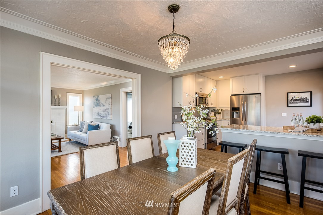 Sold Property | 7537 11th Avenue NE Seattle, WA 98115 5