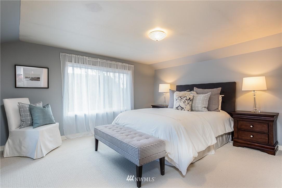 Sold Property | 7537 11th Avenue NE Seattle, WA 98115 10
