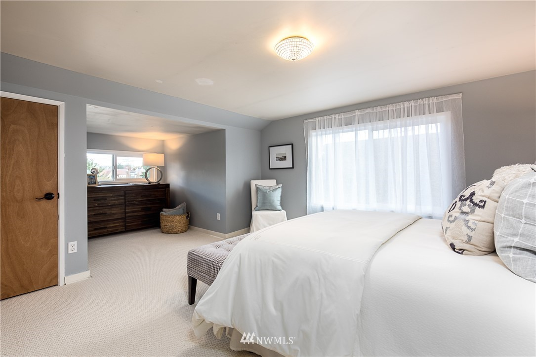 Sold Property | 7537 11th Avenue NE Seattle, WA 98115 11