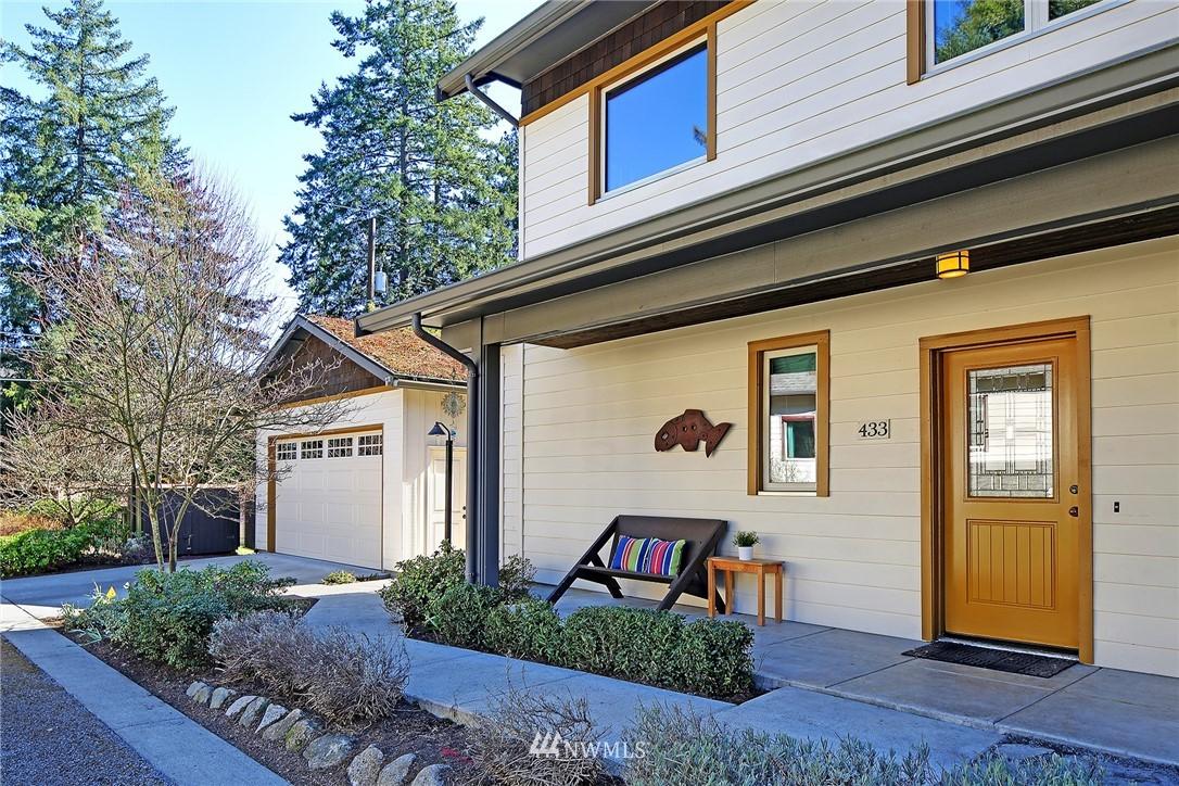 Sold Property   433 N Fish Singer Place Shoreline, WA 98133 2