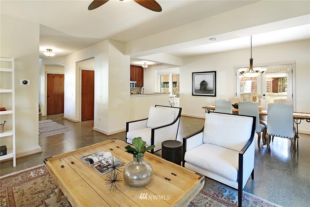Sold Property   433 N Fish Singer Place Shoreline, WA 98133 4