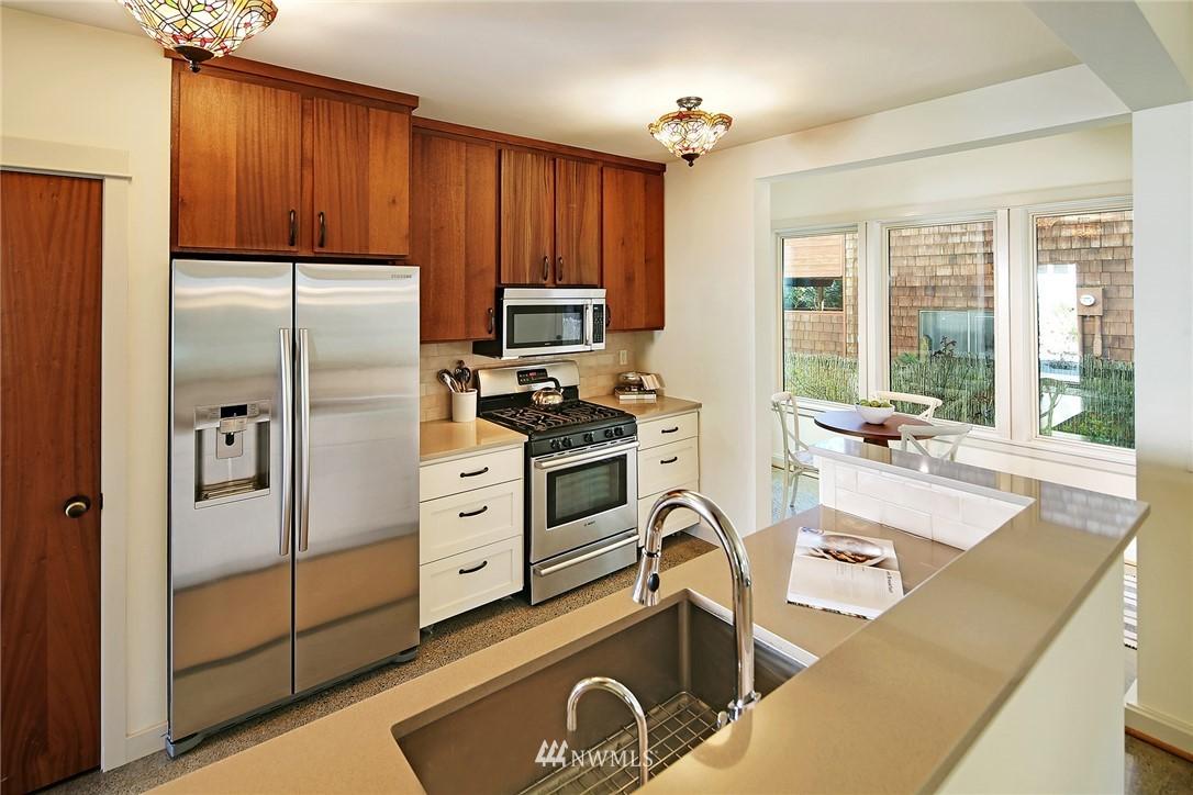 Sold Property   433 N Fish Singer Place Shoreline, WA 98133 8