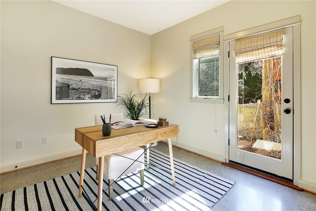 Sold Property   433 N Fish Singer Place Shoreline, WA 98133 18