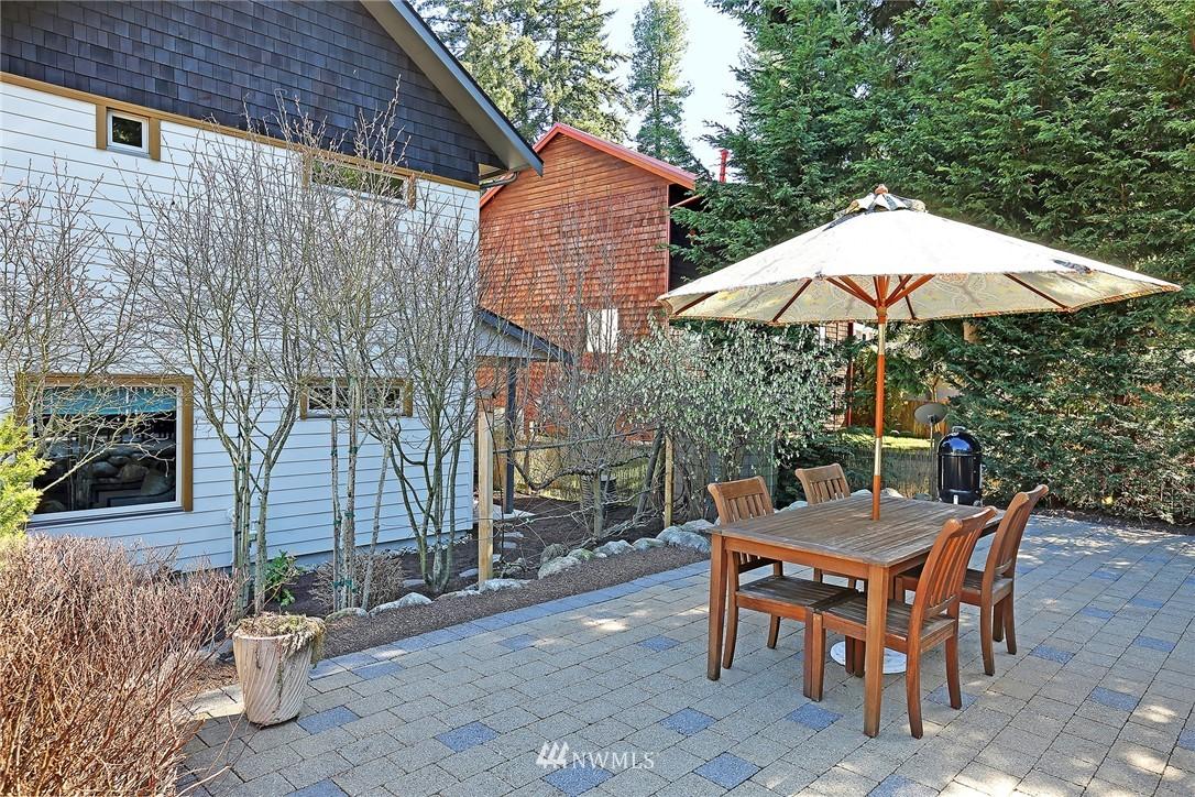 Sold Property   433 N Fish Singer Place Shoreline, WA 98133 21