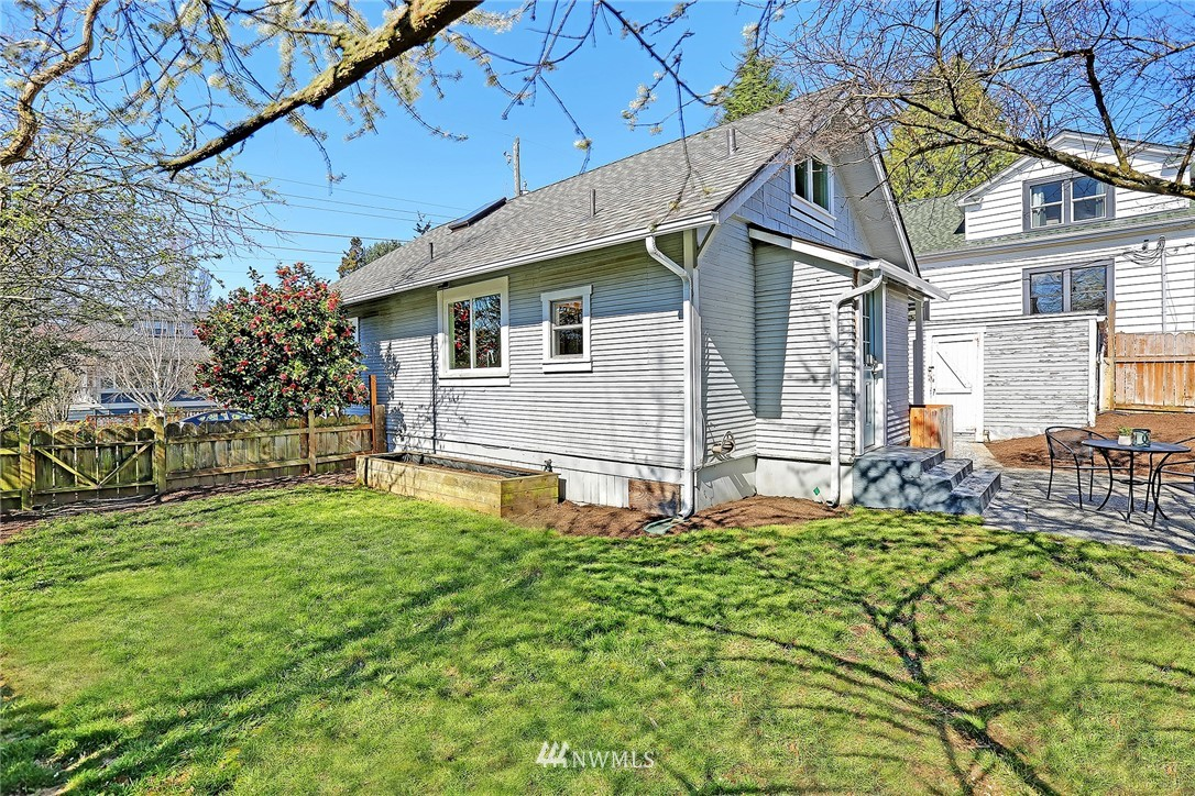 Sold Property | 7004 12th Avenue NW Seattle, WA 98117 15