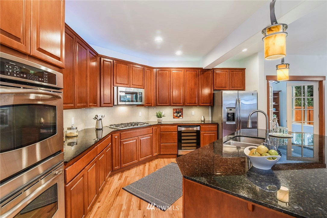Sold Property   22548 5th Place W Bothell, WA 98021 19