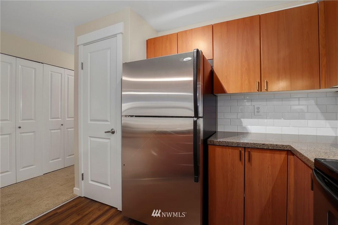 Sold Property | 7711 NE 175th Street #A312 Kenmore, WA 98028 6