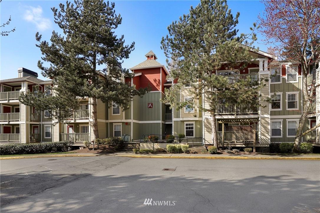 Sold Property | 7711 NE 175th Street #A312 Kenmore, WA 98028 26
