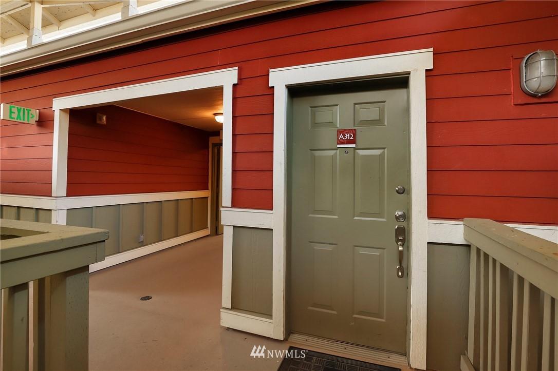 Sold Property | 7711 NE 175th Street #A312 Kenmore, WA 98028 27