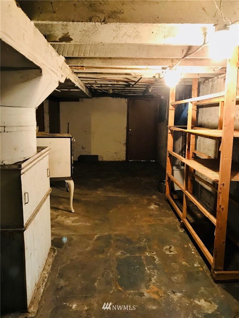 Sold Property   1129 N 84th Street Seattle, WA 98103 5