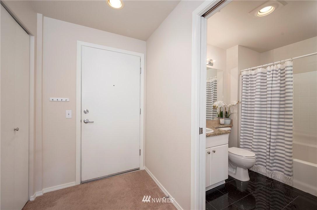 Sold Property | 323 Queen Anne Avenue N #413 Seattle, WA 98109 3