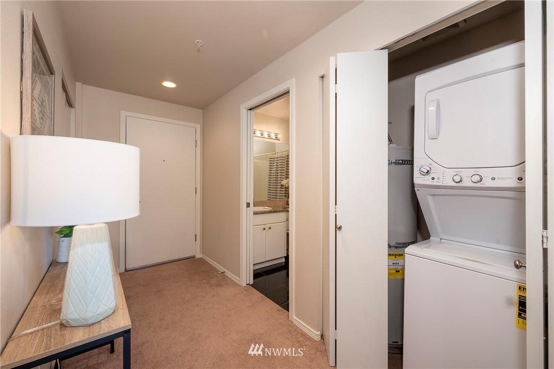 Sold Property | 323 Queen Anne Avenue N #413 Seattle, WA 98109 12