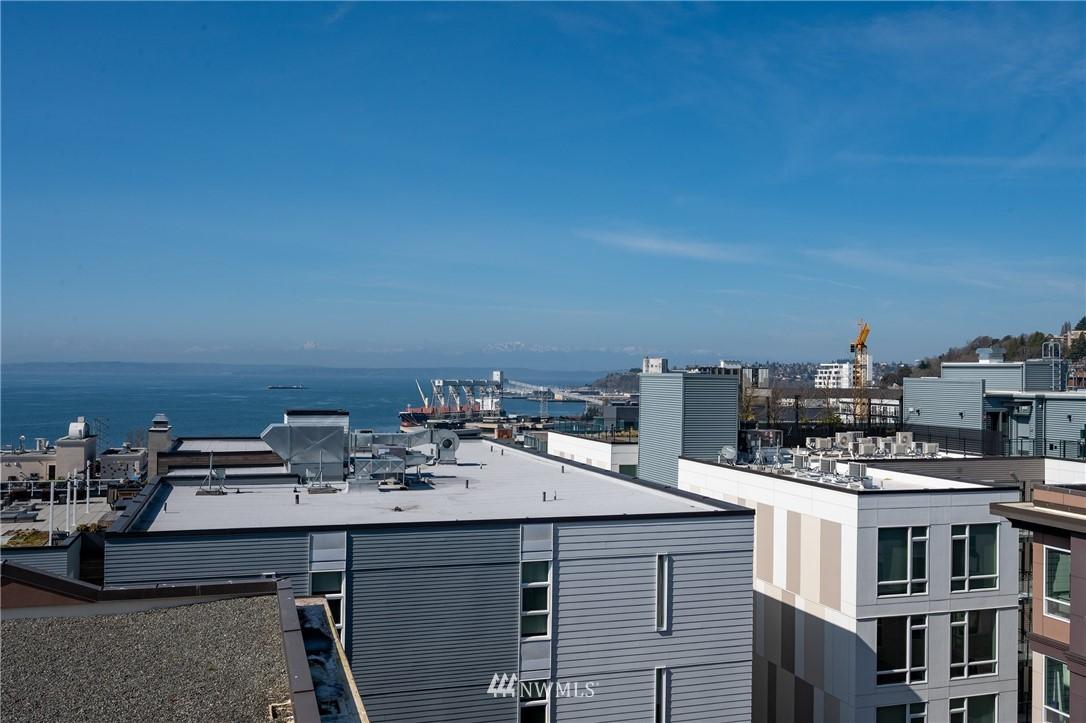 Sold Property | 323 Queen Anne Avenue N #413 Seattle, WA 98109 17