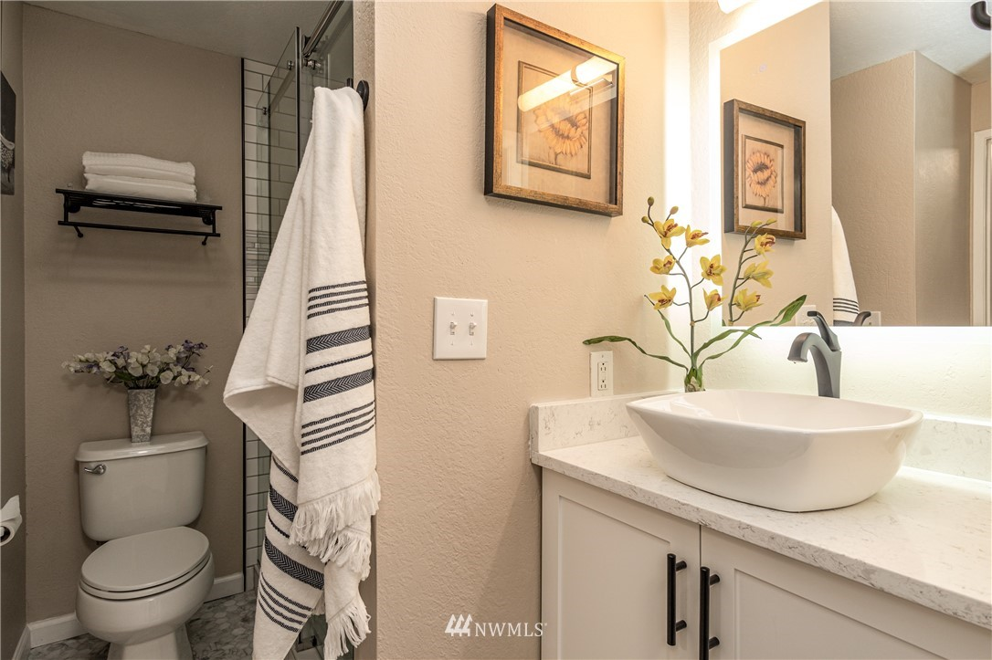 Sold Property   14638 NE 80th Place #B-33 Redmond, WA 98052 15