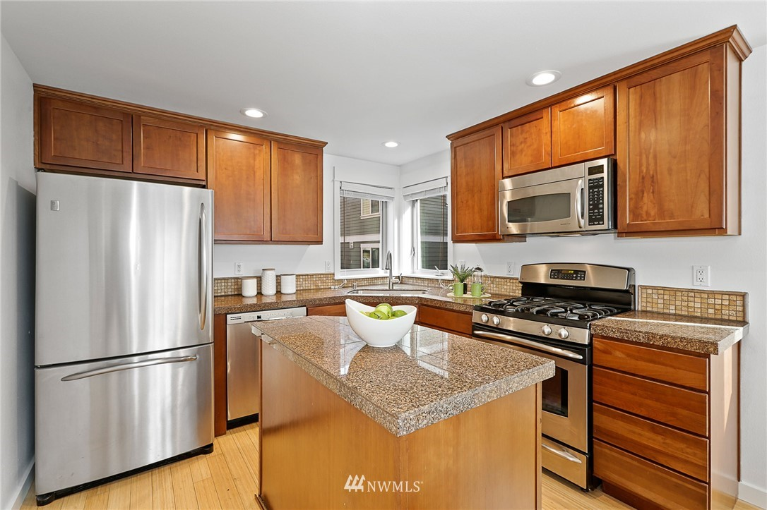 Sold Property | 8702 Mary Avenue NW #A Seattle, WA 98117 4