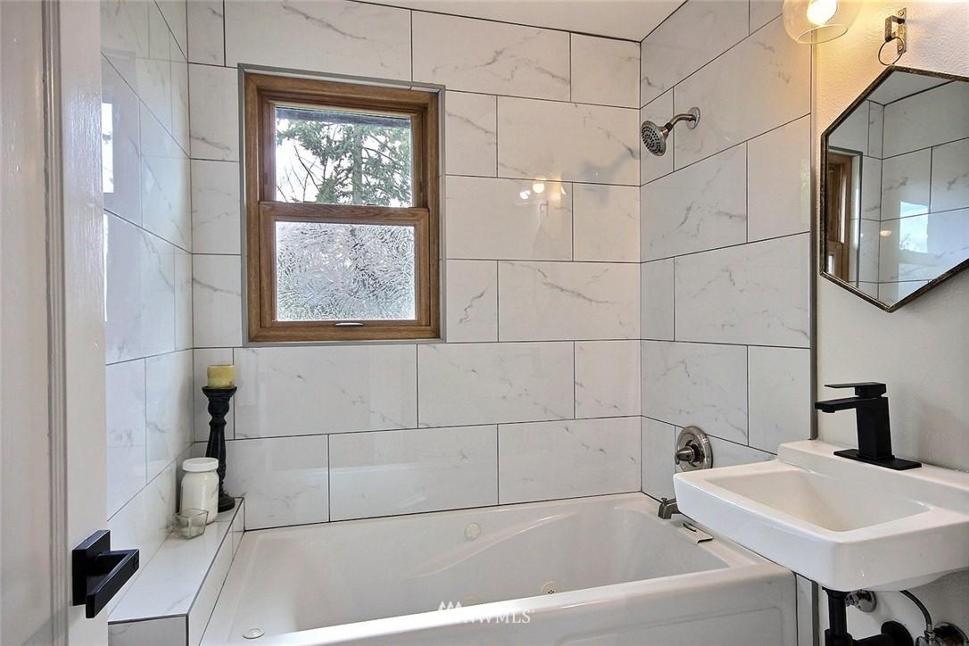 Sold Property   4353 S Bennett Street Seattle, WA 98118 11