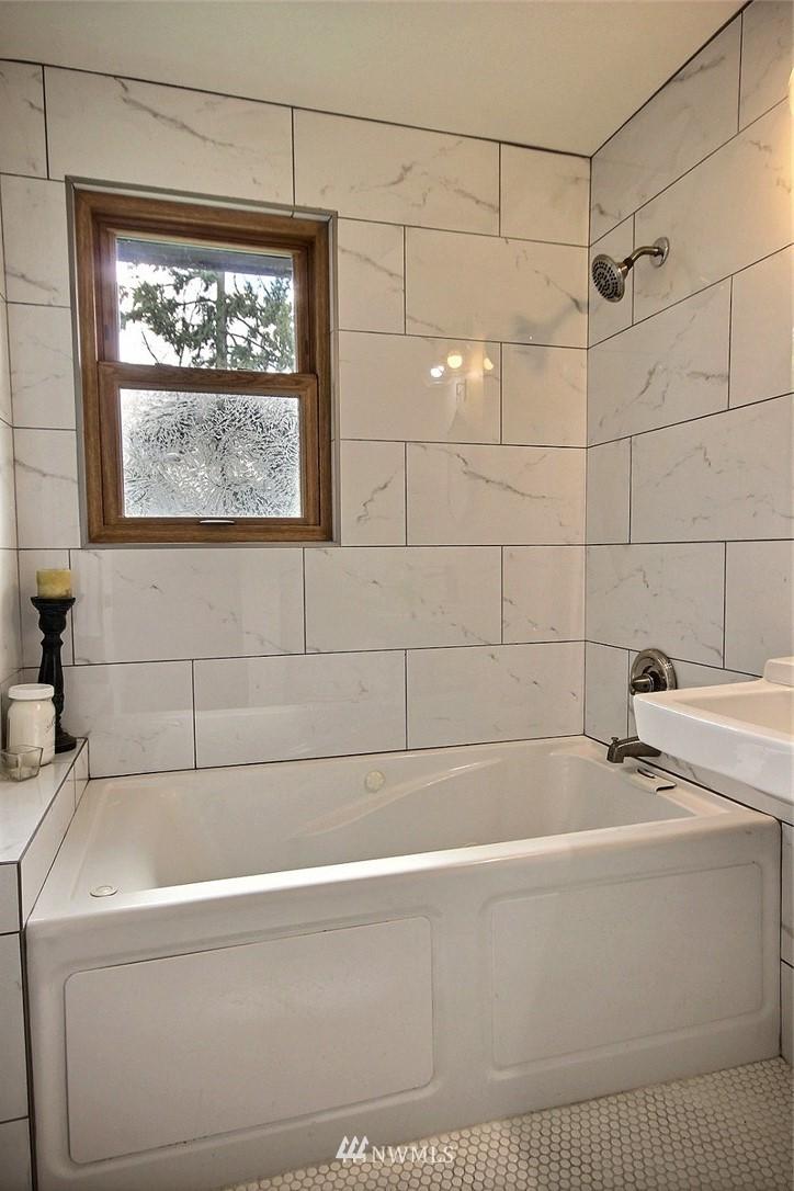 Sold Property   4353 S Bennett Street Seattle, WA 98118 12