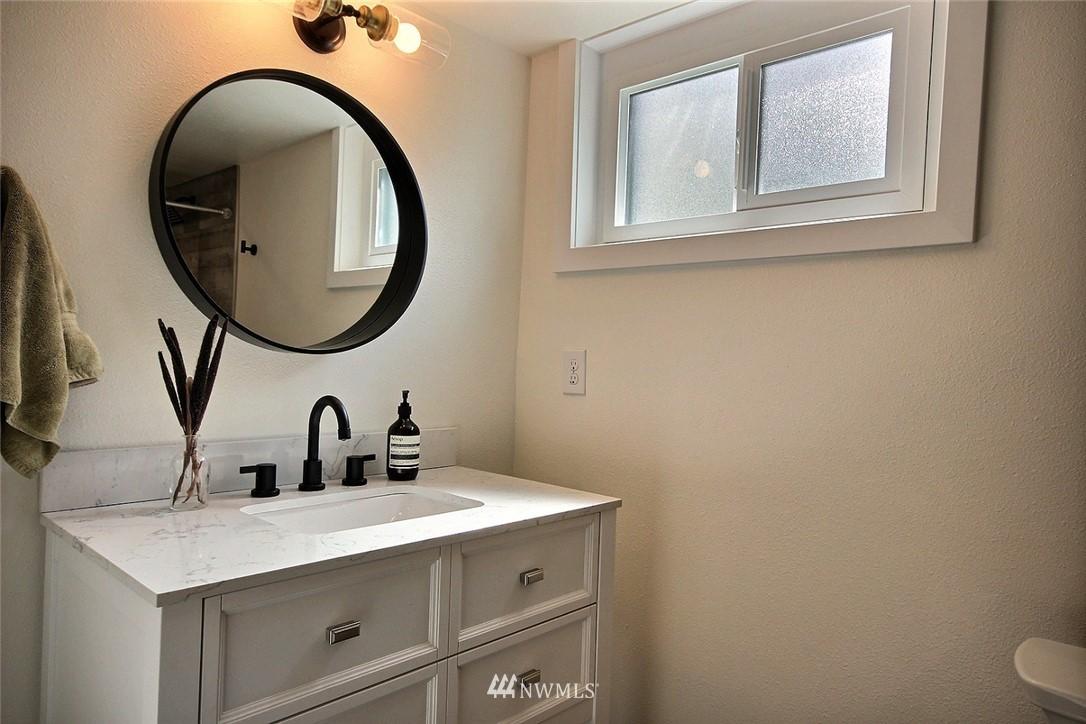 Sold Property   4353 S Bennett Street Seattle, WA 98118 17