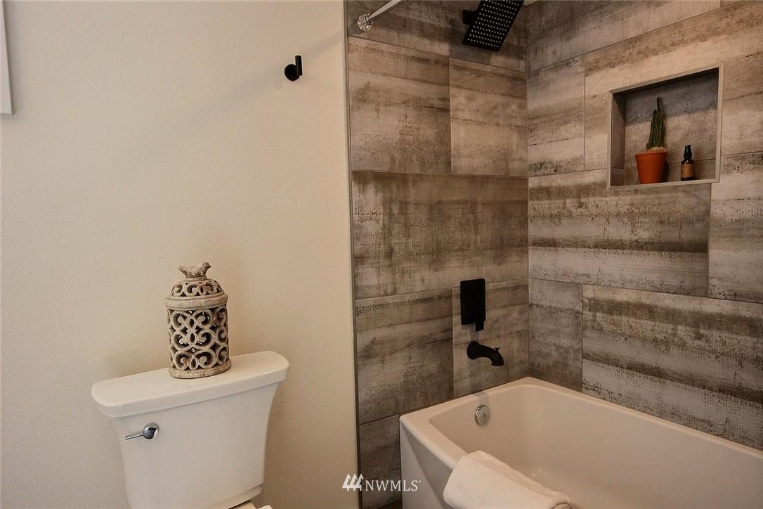 Sold Property   4353 S Bennett Street Seattle, WA 98118 18