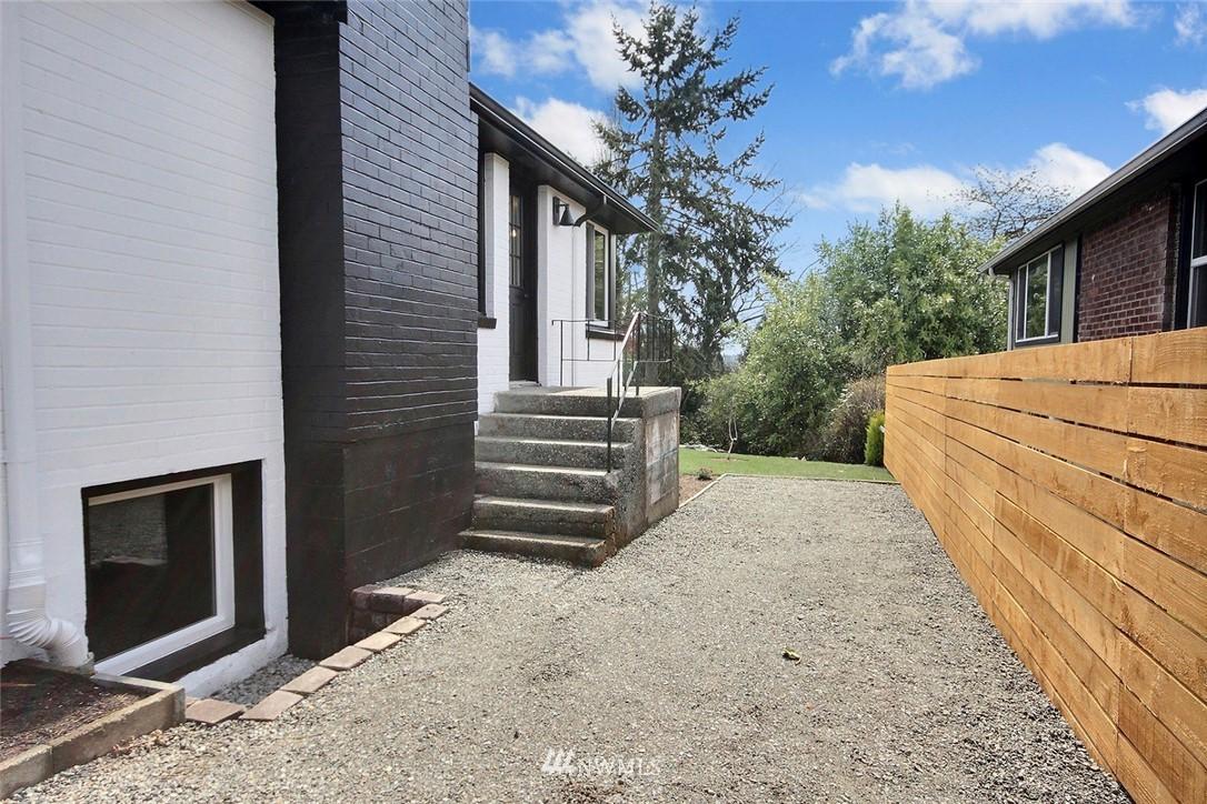 Sold Property   4353 S Bennett Street Seattle, WA 98118 20