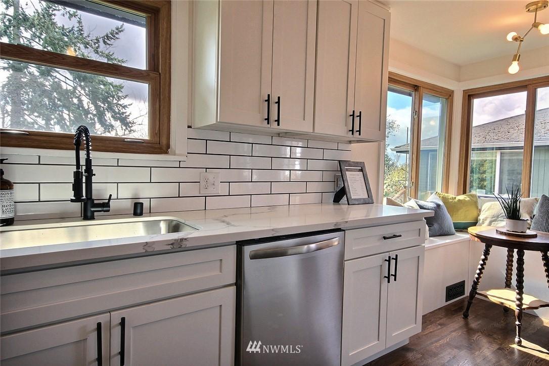 Sold Property   4353 S Bennett Street Seattle, WA 98118 3