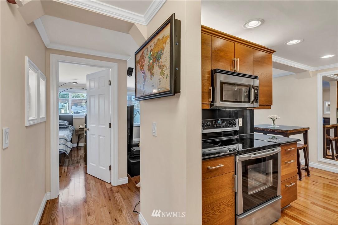 Sold Property | 919 2nd Avenue W #408 Seattle, WA 98119 1