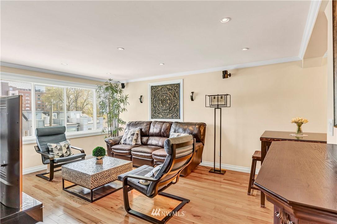 Sold Property | 919 2nd Avenue W #408 Seattle, WA 98119 2