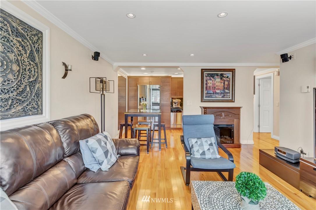 Sold Property | 919 2nd Avenue W #408 Seattle, WA 98119 5