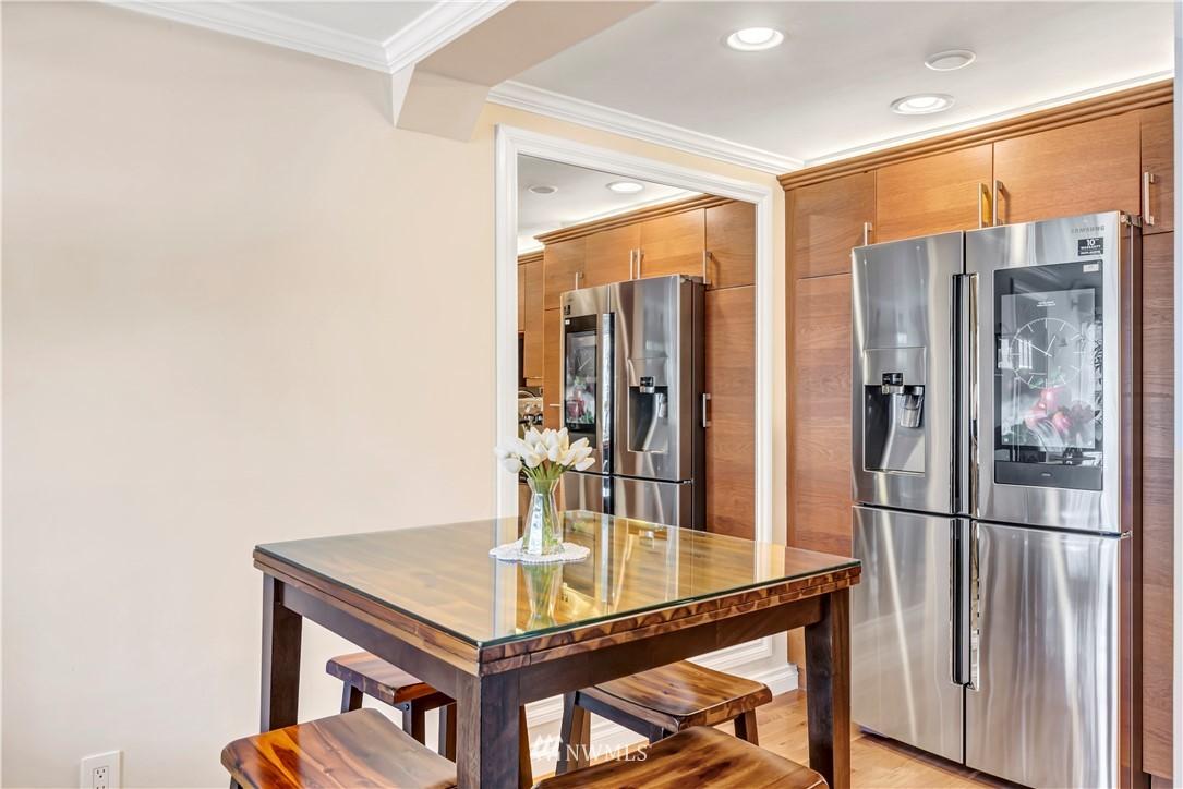 Sold Property | 919 2nd Avenue W #408 Seattle, WA 98119 7