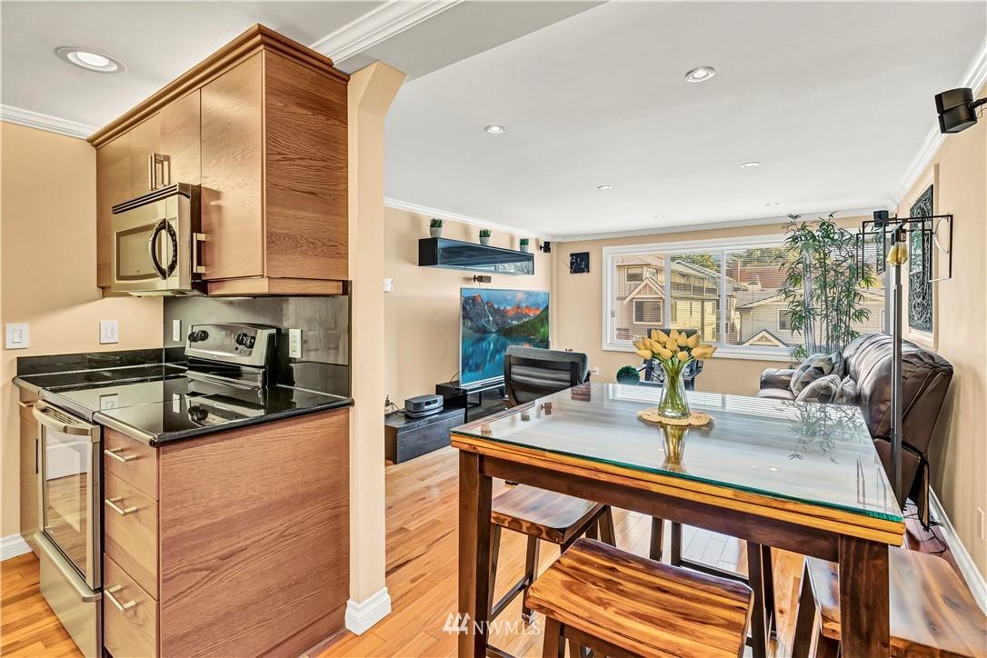 Sold Property | 919 2nd Avenue W #408 Seattle, WA 98119 13
