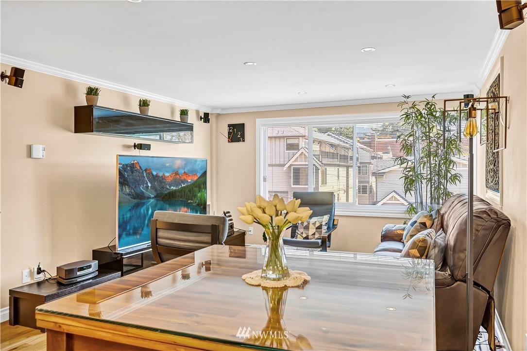 Sold Property | 919 2nd Avenue W #408 Seattle, WA 98119 14