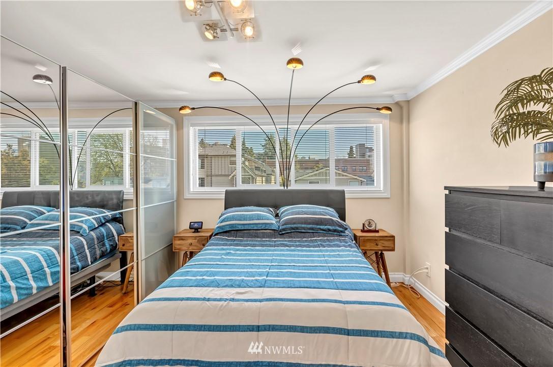 Sold Property | 919 2nd Avenue W #408 Seattle, WA 98119 18