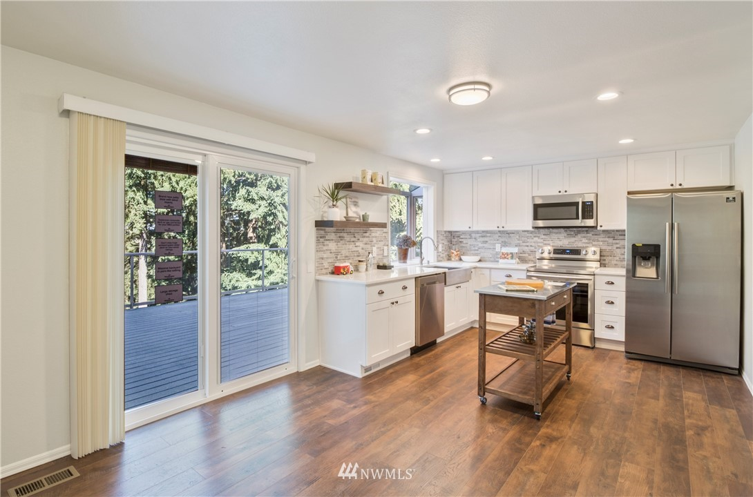 Sold Property | 6501 121st Avenue SE Bellevue, WA 98006 7